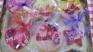 Cute Mother's Day Cookies at the Gingerbread House